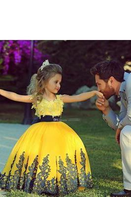 Fashionable Yellow Ball Gown Girl Toddler Pageant Dresses With Navy Sash Lace Applique Custom Wedding Flower Girl Prom Party Gowns