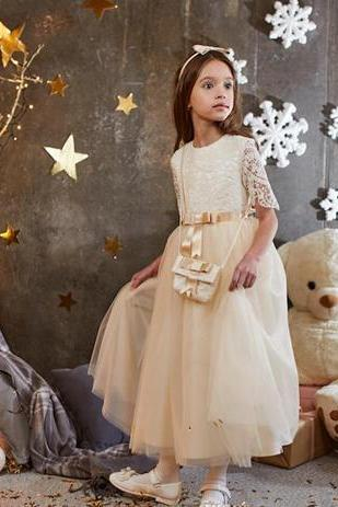 1Champagne Lace Short Sleeves 2018 A-line Flower Girl Dresses Vintage Kids Little Girl Wedding Dresses Cheap Pageant Dresses