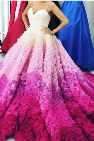 Gorgeous Gradient Fuchsia Evening Dresses Sexy Spaghetti Puffy Ruffles Chapel Trian Prom Party Dress Bridal Vestidos Red Carpet Evening Gown