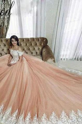 Glamorous Arabia Princess Quinceanera Dress Off Shoulder Lace Appliqued Short Sleeve Evening Gown Custom Made Fluffy Tulle Prom Party Dress