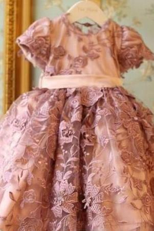 Dusty Pink Lace Applique Girls First Communion Dresses 2018 Crew Short Sleeves Ball Gown Flower Girl Dresses For Wedding Kids Formal Wear