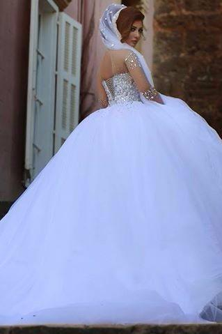 Ball Gown Wedding Dress with Beading Crystals Sweetheart Handmade Flowers Lace Up Ball Gown Bridal Gown