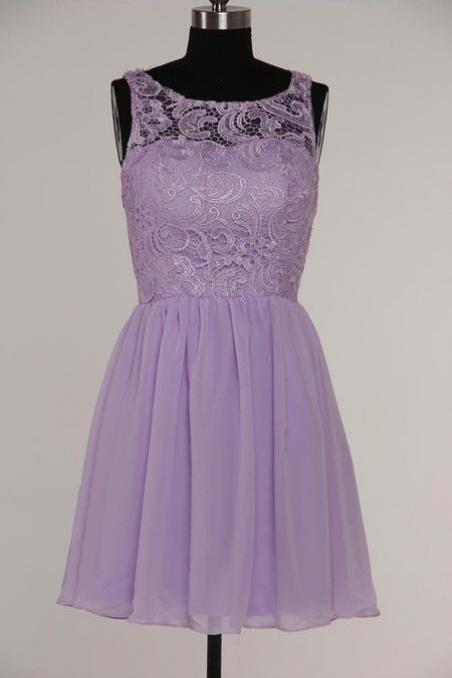 Simple A-Line Scoop Knee-length Bridesmaid/Prom/Homecoming Dress With Lace